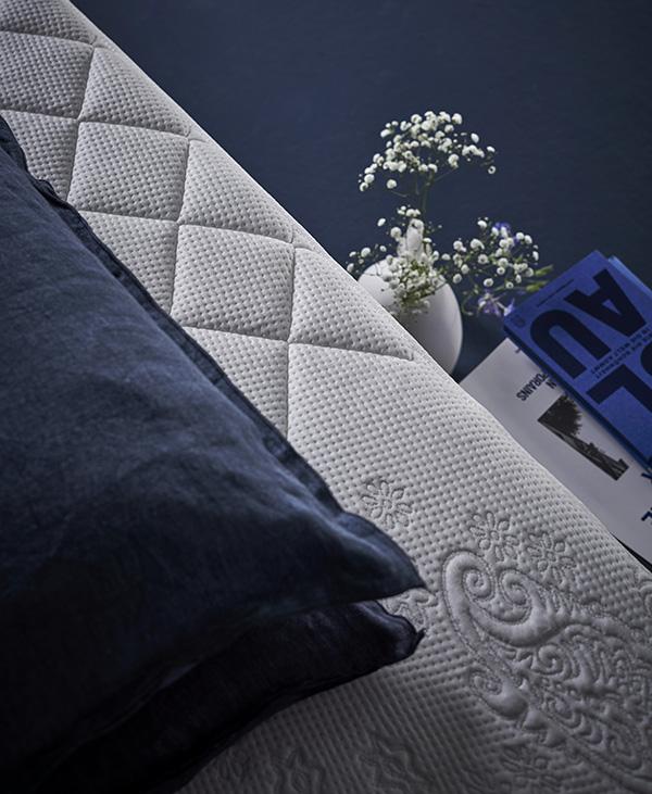 mbel outlet dortmund german design award with mbel outlet. Black Bedroom Furniture Sets. Home Design Ideas